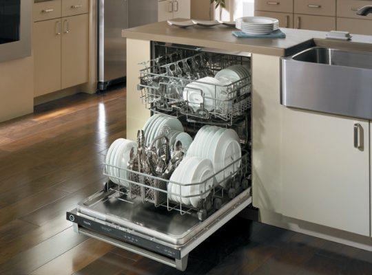 Máy rửa chén 12 bộ thích hợp cho gia đình 4 -5 người