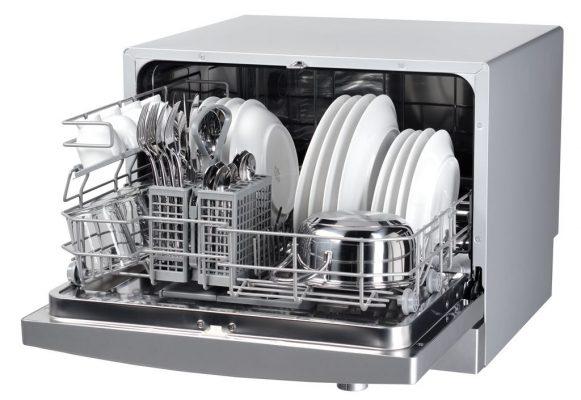 Máy rửa chén để bàn thường phù hợp với người độc thân hoặc gia đình 2 - 4 người, có nhu cầu sử dụng chén bát ít